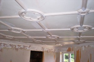 fitting-jacobean-style-panel-ceiling